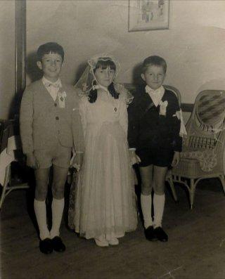 Fili invisibili - Storia minima della famiglia Bioni: una foto di famiglia per i tre fratelli Bioni