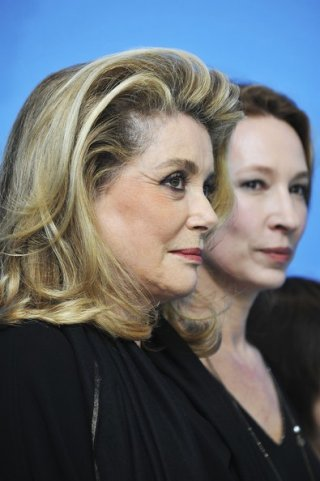 Berlinale 2013: Catherine Deneuve presenta On My Way con Emmanuelle Bercot