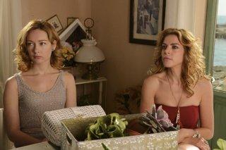 Amiche da morire: Cristiana Capotondi e Claudia Gerini sono Olivia e Gilda in una scena del film