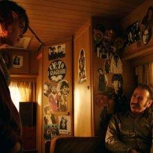 Buongiorno papà: Marco Giallini insieme alla giovane Rosabell Laurenti-Sellers in una scena