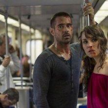 Dead Man Down - Il sapore della vendetta: Noomi Rapace e Colin Farrell in metropolitana in una scena