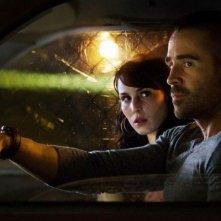 Dead Man Down - Il sapore della vendetta: Noomi Rapace in auto con Colin Farrell in una scena