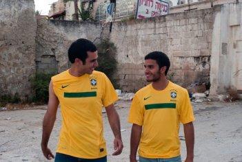 Il figlio dell'altra: Mehdi Dehbi e Mahmoud Shalaby in una scena