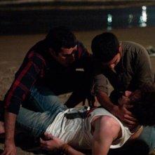 Il figlio dell'altra: Mehdi Dehbi e Mahmoud Shalaby soccorrono Jules Sitruk dopo un accoltellamento