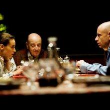 Tutti contro tutti: Rolando Ravello, Stefano Altieri e Kasia Smutniak in una scena del film