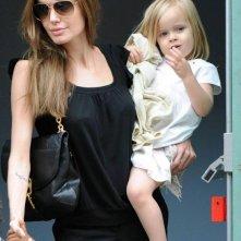 Angelina Jolie con sua figlia Vivienne (settembre 2011)