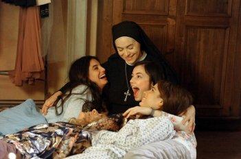 Che Dio ci aiuti 2: Elena Sofia Ricci in un momento della fiction