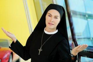 Che Dio ci aiuti 2: Elena Sofia Ricci in una immagine promozionale della fiction