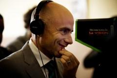 Rolando Ravello debutta alla regia con Tutti contro tutti