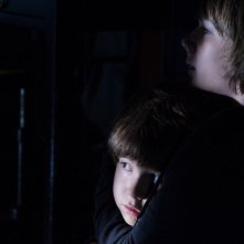 Kadan Rockett e Dakota Goyo in Dark Skies, del 2013