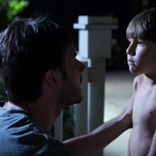 Kadan Rockett e Josh Hamilton in Dark Skies, del 2013