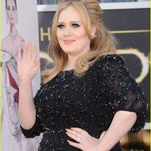 Oscar 2013: la magnifica Adele sul red carpet