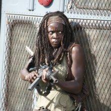 The Walking Dead: Danai Gurira in una tesa scena dell'episodio Bentornato a casa
