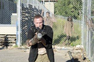 The Walking Dead: Michael Rooker in una scena dell'episodio Giuda