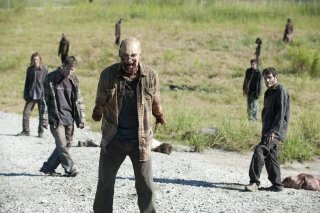 The Walking Dead: un'orda di Erranti nell'episodio Giuda