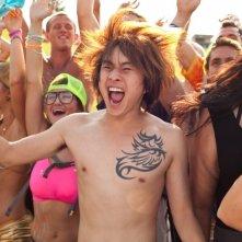 Un compleanno da leoni: Justin Chon in una immagine del film