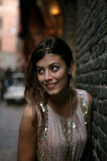 AmeriQua: Alessandra Mastronardi sul set