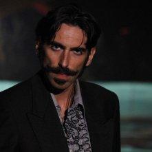 AmeriQua: Matteo Reza Azchirvani in una scena nei panni di Jaroslav