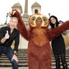I Croods: Laccio il bradipo a Trinità dei Monti col regista Chris Sanders e Rosalia Misseri (doppiatrice di Hip)