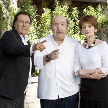 Un medico in famiglia 8: Albano, Lino Banfi e Milena Vukotic in una scena della fiction