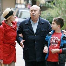 Un medico in famiglia 8: Milena Vukotic, Lino Banfi e Gabriele Paolino in una scena della fiction