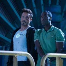 Iron Man 3: un malconcio Robert Downey Jr. insieme a Don Cheadle