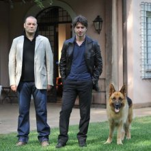 Rex 4: il protagonista Rex con Ettore Bassi e Domenico Fortunato in una foto promozionale della fiction
