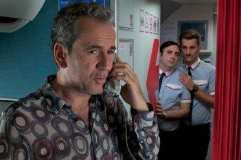 Gli amanti passeggeri: Guillermo Toledo, Raúl Arévalo e Carlos Areces in una scena