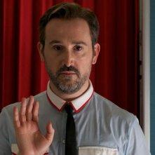 Gli amanti passeggeri: Javier Cámara in una scena del film