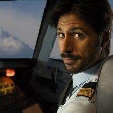 Hugo Silva sul set de Gli amanti passeggeri di Almodovar