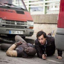 Due agenti molto speciali: Omar Sy e Laurent Lafitte in una scena d'azione del film