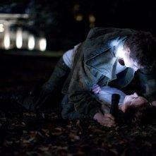 The Host: Saoirse Ronan con Max Irons in una scena notturna del film