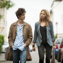 20 ans d'écart: Pierre Niney con Virginie Efira in una scena