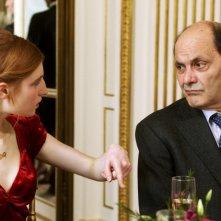 Au bout du conte: Jean-Pierre Bacri e Agathe Bonitzer in una scena
