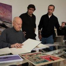 Quanto pesa il suo edificio, Mr. Foster?: l'architetto Norman Foster sul set del documentario con i registi Carlos Carcas e Norberto López Amado