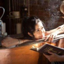 Le streghe di Salem: Maria Conchita Alonso e Bruce Davison in una scena