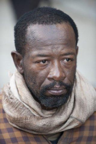The Walking Dead: un primo piano di Lennie James nell'episodio Ripulire