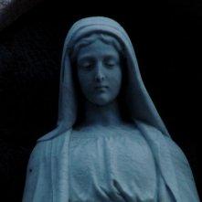Mea maxima culpa. Silenzio nella casa di Dio: una statua di Maria tratta dal documentario