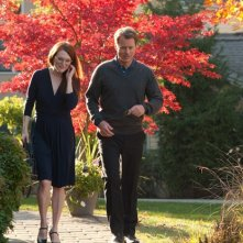 The English Teacher: Julianne Moore e Greg Kinnear passeggiano tra i colori dell'autunno