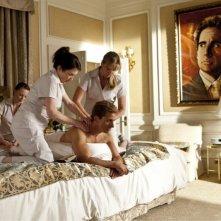 The Incredible Burt Wonderstone: Steve Carell con un team di massaggiatrici