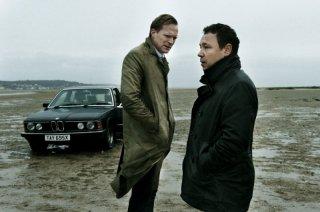 Blood: Paul Bettany con Stephen Graham in una scena del film