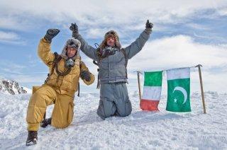 K2: la montagna degli italiani: Michele Alhaique e Massimo Poggio in una scena della fiction
