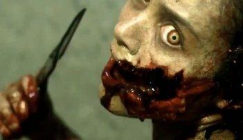 La casa: Jessica Lucas posseduta da uno dei demoni in una scena del film