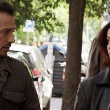 Viaggio sola: Stefano Accorsi e Alessia Barela in una scena del film