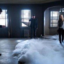 Now You See Me: Isla Fisher, Jesse Eisenberg e Woody Harrelson in una fumosa scena