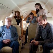 Now You See Me: Michael Caine, Isla Fisher, Dave Franco, Woody Harrelson e Caitriona Balfe in una scena