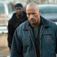 Snitch - L'infiltrato: lo sguardo rabbioso di Dwayne 'The Rock' Johnson in un'immagine del film