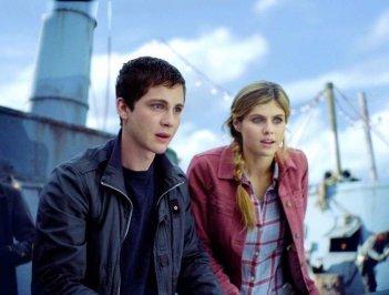 Percy Jackson e gli dei dell'olimpo: Il mare dei mostri: Logan Lerman e Alexandra Daddario in una scena del film