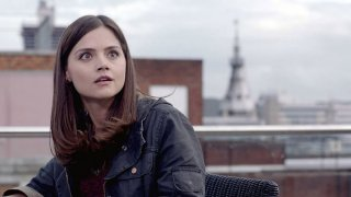 Doctor Who: Jenna-Louise Coleman in una scena dell'episodio The Bells of St John