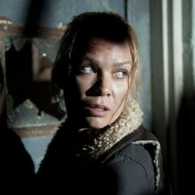 The Walking Dead: Un primo piano di Laurie Holden nell'episodio Vendetta